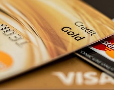 Držitelé VISA karet mohou platit kryptem