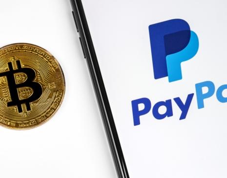 Od 30. 3. mohou uživatelé PayPalu platit kryptoměnami